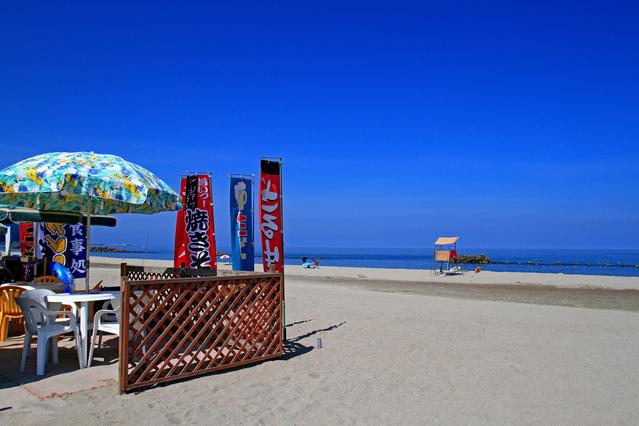 朝のビーチ